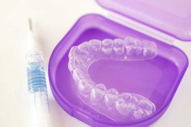 「ひまわり歯科」黄ばんだ歯の漂白を行うホワイトニング