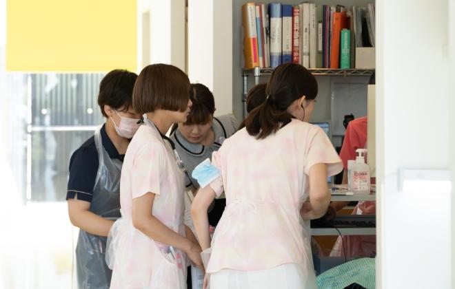 広島県安芸郡海田町の歯科医院「ひまわり歯科」多職種連携による様々な医療サービスの提供